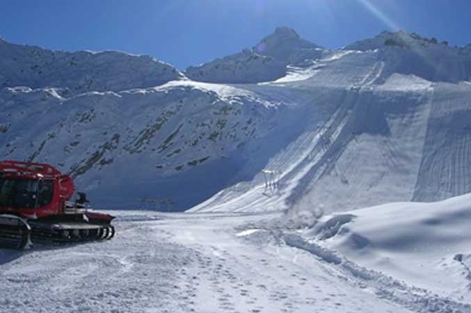 Passo Tonale Glacier