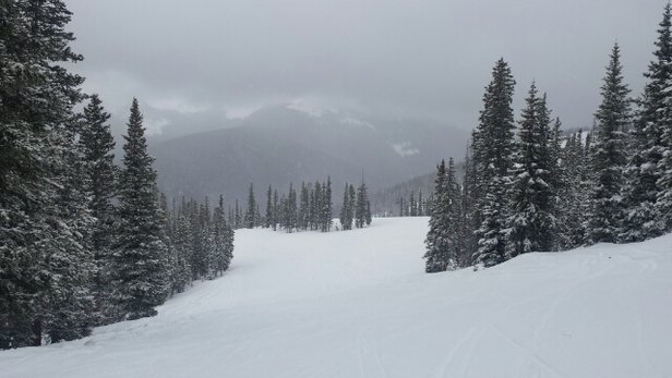Winter Park Resort - 7 inches new snow and very few people. Can't get much better. - ©gilbeal.ag