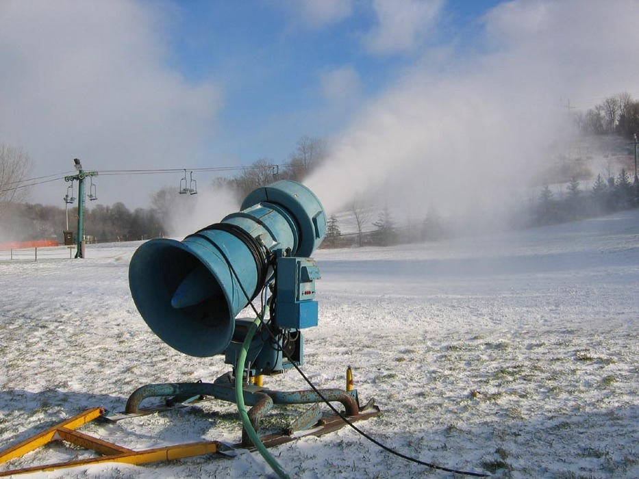 A snowmaking gun at Mt Kato, MN.