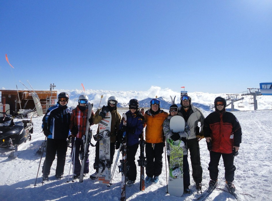 BSSC ski vacation group poses in Utah. Photo Courtesy of Boston Ski & Sports Club.