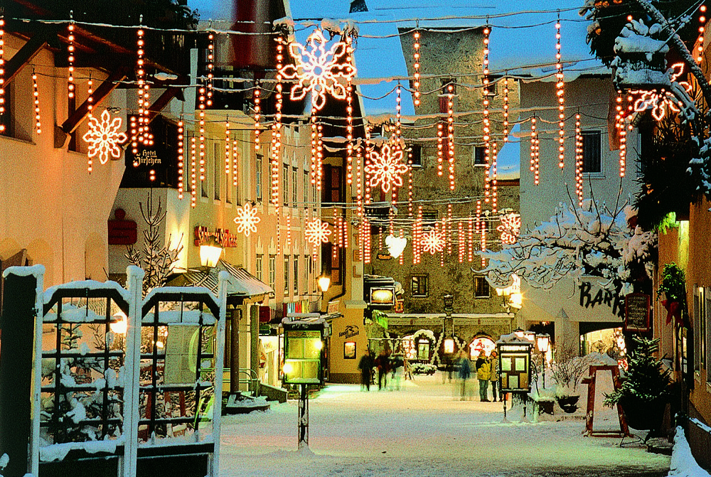 Festive streets of Zell am See, Austria - ©Zell am See Tourism