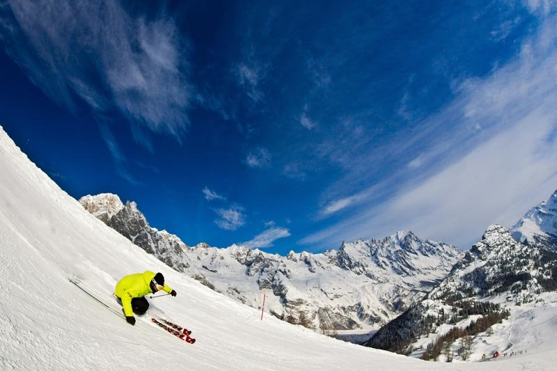 Freeskiing in Courmayeur, Italy