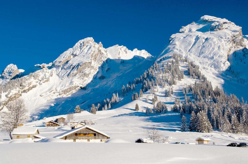 la clusaz photos de la station paysage hivernal la clusaz skiinfo. Black Bedroom Furniture Sets. Home Design Ideas