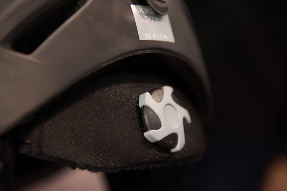 The click to fit system in the Bollé Sharp Helmet ensures a perfect fit around the head.