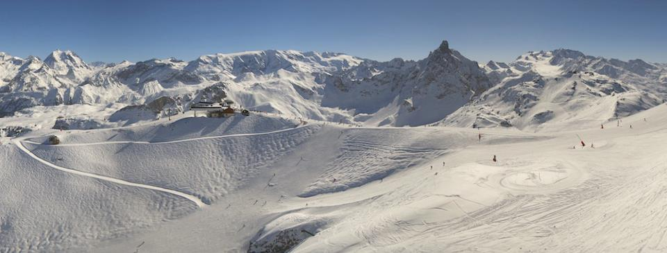 Blue skies and fresh snow in Courchevel March 3, 2013
