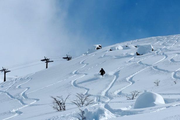 PowderQuest client Cerro Catedral skis Argentina - ©Maxi Artoni
