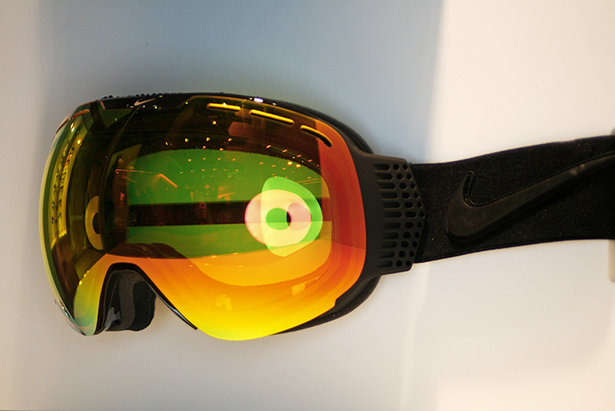 Nike Command Transitions Goggle - ©Stefan Drexl