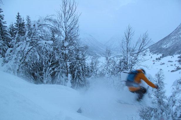 - ©sol, laussnø og mykje snøhungrige opna skisenteret.