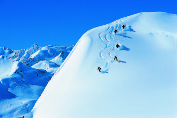 Powder skiing in St. Anton - ©St. Anton Tourismus