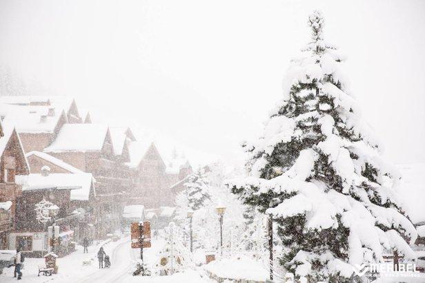 Sněhové zpravodajství: Spousta nového sněhu v západních Alpách - ©Meribel / facebook