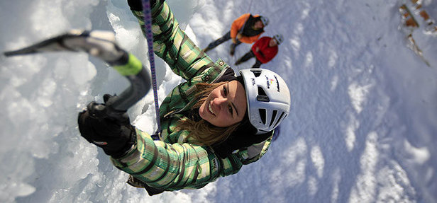 Escalade sur glace (OT la Plagne) - ©OT la Plagne