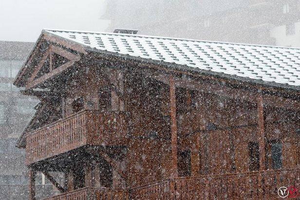 Sneženie neustáva: Ďalší čerstvý sneh vo vyšších polohách Álp - ©Val Thorens/Facebook