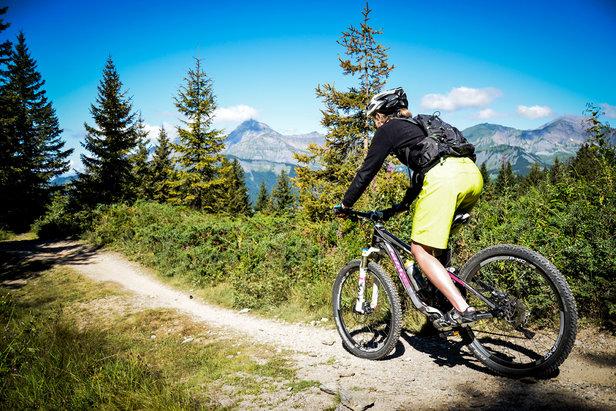 Cet été, direction le Val d'Arly pour s'évader face au Mont-Blanc - ©Office de tourisme du Val d'Arly