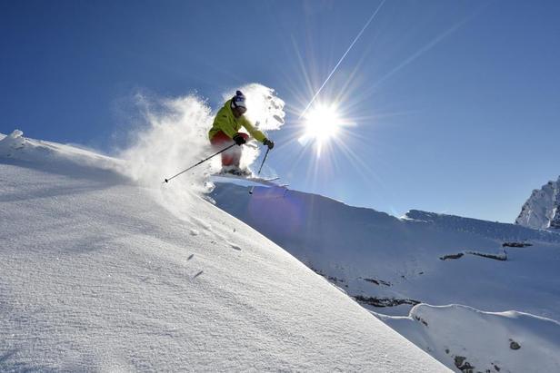 La neige est au rendez-vous sur le domaine skiable de La Clusaz - ©OT La Clusaz