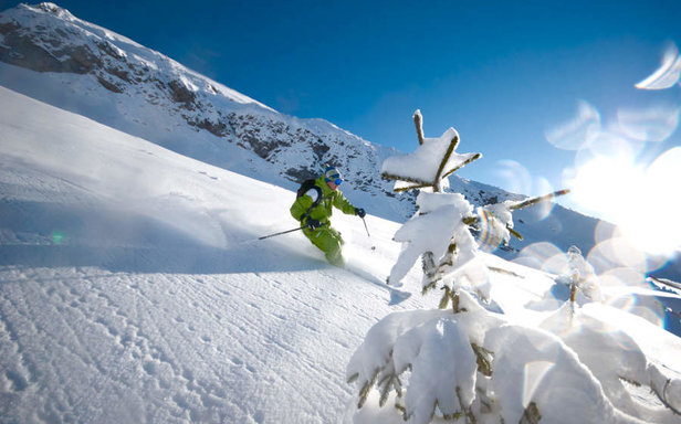 Beautiful powder conditions in La Clusaz - ©OT La Clusaz / Massif des Aravis