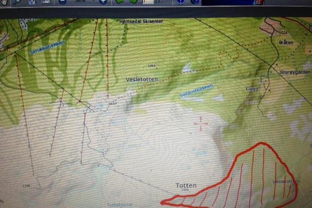 Avmerket område med midlertidig område ferdselsforbud rundt Reidarskaret utenfor Hemsedal Skisenter  - ©http://twitter.com/opsnbuskerud