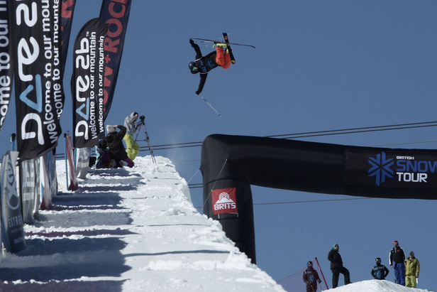 Pro freeskier James Machon competing at the BRITS