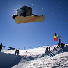 Freestyle snowboarboarding at Snow Park Kronplatz