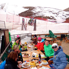 Enjoying some apres-ski with Ingrid Backstrom at La Parva's St. Tropez - ©Mike Reff PowderQuest