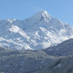 In Sölden schneite es über 12 Stunden sehr ergiebig. Am Ende lagen im Tal knapp 40cm, oben an den Gipfeln etwa 80cm Neuschnee - ©Skiinfo