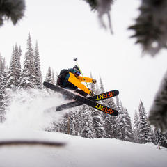 Freeriding at Revelstoke, BC - ©Ian Houghton