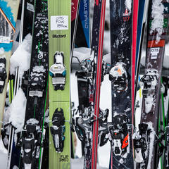 Powder skis - © Liam Doran