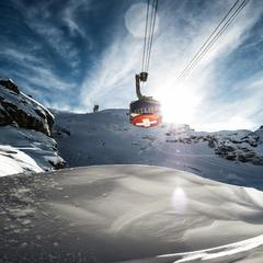 Neun auf einen Streich rund um Zürich: Aus dem Flieger in die Skigebiete - ©Engelberg-Titlis Tourismus