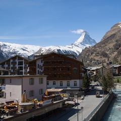 Frühlingshafte Temperaturen im April 2017 in Zermatt - ©Skiinfo