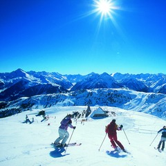 Carving up the slopes in Mayrhofen