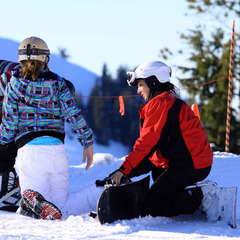 Snowboard class at Silver Mountain. Photo courtesy of Ski NW Rockies.