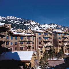 The hotel sits right on the edge of Jackson Hole Ski Resort - ©Four Seasons Resort, Jackson Hole