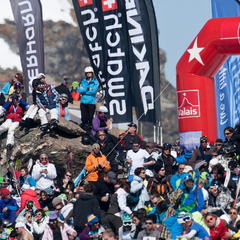 Crowds gather to watch the Swatch Freeride World Tour 2012 Verbier - ©Dom Daher/Freeride World Tour