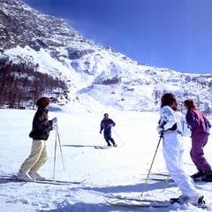 Saas Almagell Skischule