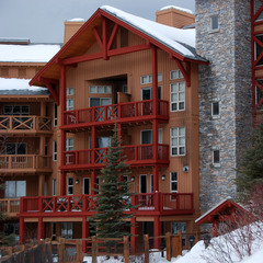 Panorama Springs Lodge. Photo by Becky Lomax.