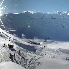 Neige et soleil sont au rendez-vous sur le domaine skiable de Val Thorens (22 janv. 2013)