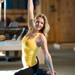 Amie is also an instructor at The Bar Effect, a workout studio owned and operated by former pro snowboarder Michelle Shetler Rahlves. 