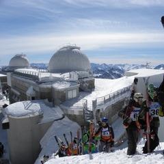 Une fois au sommet du téléphérique du Pic du Midi, un domaine 100% hors piste s'offre à vous... - ©G. Roger