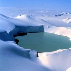 50 Abenteuer für Skifahrer (1): Fire and Ice - die coolsten Pisten auf den Feuerbergen der Welt - ©Christoph Schrahe