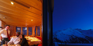 Candlelight Dinner ©A romantic evening on top of the mountain