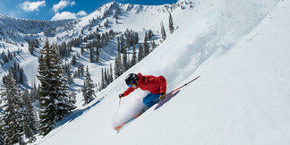 31 Inches of The Greatest Snow on Earth®: Late-Season Powder Blankets Utah ©Snowbird Ski Resort | Scott Markewitz