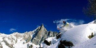 Popular ski resorts for off-piste powder fiends ©Chamonix Tourism