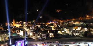 Feestvieren tot de sneeuw smelt: de beste evenementen aan het einde van het skiseizoen in Oostenrijk