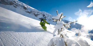 Four lesser-known ski resorts for freeriders ©OT La Clusaz / Massif des Aravis