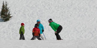 Join World's Biggest Ski & Ride Lesson Jan. 8 ©Grand Targhee Resort