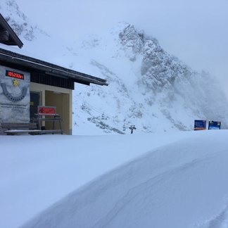 Start in den März mit ordentlich Neuschnee! - © Facebook Zur Berghex