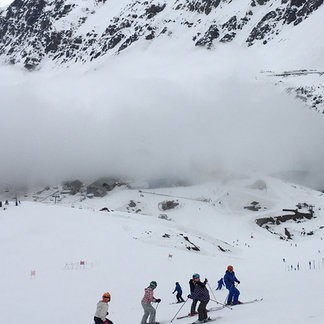 Ski Portillo - Just like the last reviewer, I too, wanted to like this place. The food and service are superb, the ski instructors world class. Sadly, they are badly in need of fresh snow with none in sight. Skiing off-piste is painful on the crusty faces - ©Bill's iPhone