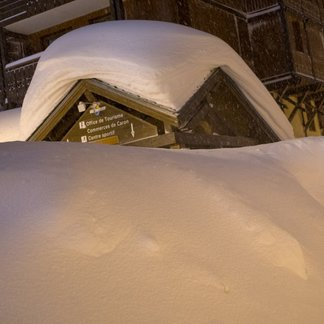 Huge snowstorm in Val Thorens 4.1.18 - © facebook Val Thorens
