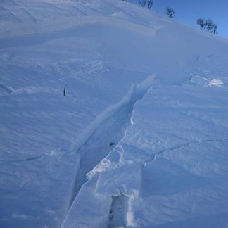 Ståle Schumacher løste ut et lite snøskred under topptur i Hemsedal 27 februar - en tydelig advarsel om forholdene i fjellet. - © Ståle Schumacher