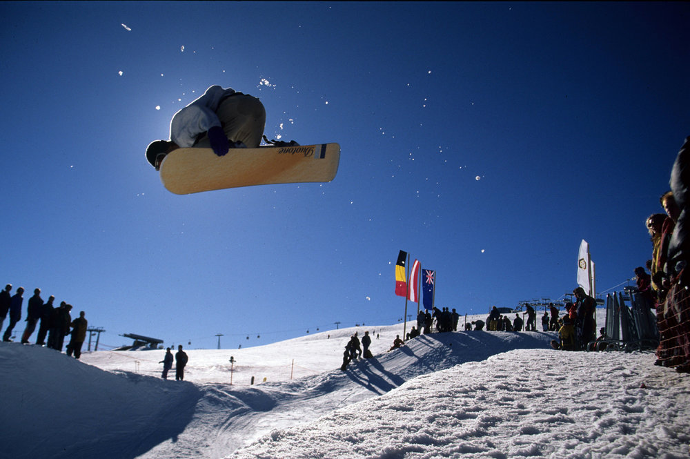 Freestyle snowboarding at Snow Park Kronplatz
