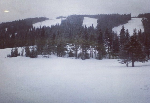 Yesterday was awesome! 4in of powder and more and other places! So sad im leaving today, to go back home:(